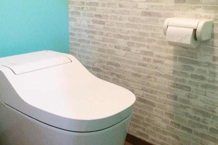 工事内容:トイレ交換、内装貼替