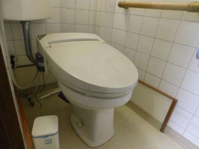 トイレ便器のみの交換(トイレの詰まりを直す工事) 施工前